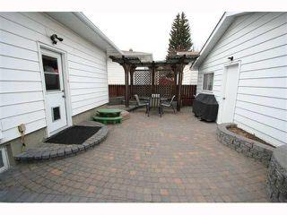 Photo 20: 28 HARROW Crescent SW in CALGARY: Haysboro Residential Detached Single Family for sale (Calgary)  : MLS®# C3419230