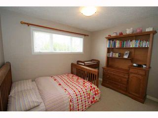 Photo 13: 28 HARROW Crescent SW in CALGARY: Haysboro Residential Detached Single Family for sale (Calgary)  : MLS®# C3419230