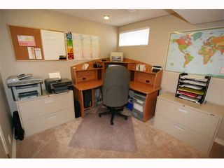 Photo 17: 28 HARROW Crescent SW in CALGARY: Haysboro Residential Detached Single Family for sale (Calgary)  : MLS®# C3419230