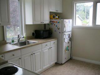 Photo 3: 350 BELVIDERE Street in WINNIPEG: St James Residential for sale (West Winnipeg)  : MLS®# 1017575