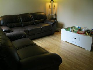Photo 2: 350 BELVIDERE Street in WINNIPEG: St James Residential for sale (West Winnipeg)  : MLS®# 1017575