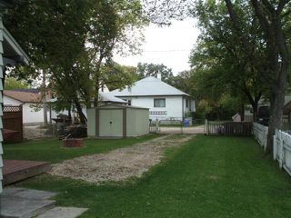 Photo 5: 455 Lariviere Street in WINNIPEG: St Boniface Residential for sale (South East Winnipeg)  : MLS®# 1018534