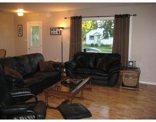 Photo 5: 867 BEACH Avenue in WINNIPEG: East Kildonan Residential for sale (North East Winnipeg)  : MLS®# 2817618