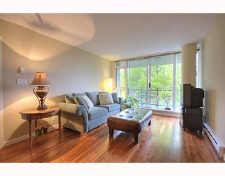 "Photo 8: 306 1650 W 7TH Avenue in Vancouver: Fairview VW Condo for sale in ""THE VIRTU"" (Vancouver West)  : MLS®# V733950"