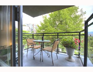 "Photo 2: 306 1650 W 7TH Avenue in Vancouver: Fairview VW Condo for sale in ""THE VIRTU"" (Vancouver West)  : MLS®# V733950"