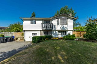 Photo 16: 6081 171A Street in Surrey: Cloverdale BC House for sale (Cloverdale)  : MLS®# R2420575