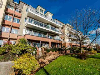 Photo 2: 103 - 12 K De K Court in New Westminster: Quay Condo for sale : MLS®# R2419227