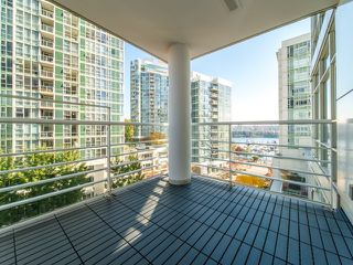 "Photo 18: 706 198 AQUARIUS Mews in Vancouver: Yaletown Condo for sale in ""Aquarius"" (Vancouver West)  : MLS®# R2424836"
