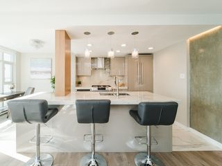 "Photo 7: 706 198 AQUARIUS Mews in Vancouver: Yaletown Condo for sale in ""Aquarius"" (Vancouver West)  : MLS®# R2424836"