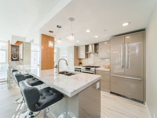 "Photo 6: 706 198 AQUARIUS Mews in Vancouver: Yaletown Condo for sale in ""Aquarius"" (Vancouver West)  : MLS®# R2424836"