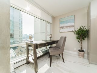 "Photo 17: 706 198 AQUARIUS Mews in Vancouver: Yaletown Condo for sale in ""Aquarius"" (Vancouver West)  : MLS®# R2424836"