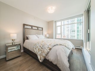 "Photo 15: 706 198 AQUARIUS Mews in Vancouver: Yaletown Condo for sale in ""Aquarius"" (Vancouver West)  : MLS®# R2424836"
