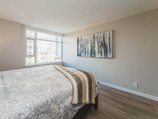 "Photo 10: 706 198 AQUARIUS Mews in Vancouver: Yaletown Condo for sale in ""Aquarius"" (Vancouver West)  : MLS®# R2424836"