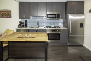 """Photo 4: 510 38 W 1ST Avenue in Vancouver: False Creek Condo for sale in """"THE ONE"""" (Vancouver West)  : MLS®# R2426539"""