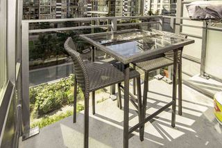 """Photo 12: 510 38 W 1ST Avenue in Vancouver: False Creek Condo for sale in """"THE ONE"""" (Vancouver West)  : MLS®# R2426539"""