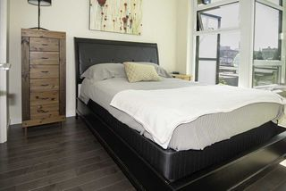 """Photo 6: 510 38 W 1ST Avenue in Vancouver: False Creek Condo for sale in """"THE ONE"""" (Vancouver West)  : MLS®# R2426539"""