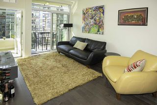 """Photo 2: 510 38 W 1ST Avenue in Vancouver: False Creek Condo for sale in """"THE ONE"""" (Vancouver West)  : MLS®# R2426539"""