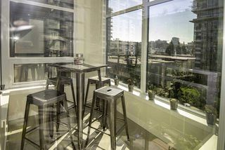 """Photo 11: 510 38 W 1ST Avenue in Vancouver: False Creek Condo for sale in """"THE ONE"""" (Vancouver West)  : MLS®# R2426539"""