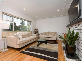 Photo 2: 3876 Carey Road in VICTORIA: SW Tillicum Single Family Detached for sale (Saanich West)  : MLS®# 421937