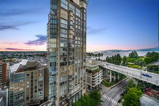 """Photo 22: 1502 907 BEACH Avenue in Vancouver: Yaletown Condo for sale in """"CORAL COURT"""" (Vancouver West)  : MLS®# R2457774"""
