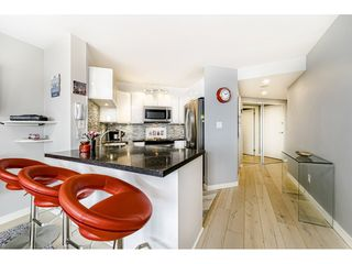 """Photo 10: 1502 907 BEACH Avenue in Vancouver: Yaletown Condo for sale in """"CORAL COURT"""" (Vancouver West)  : MLS®# R2457774"""