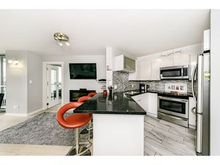 """Photo 11: 1502 907 BEACH Avenue in Vancouver: Yaletown Condo for sale in """"CORAL COURT"""" (Vancouver West)  : MLS®# R2457774"""