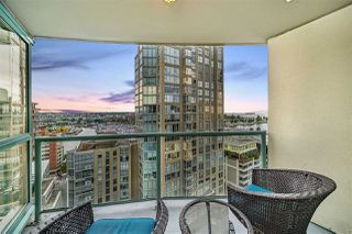 """Photo 20: 1502 907 BEACH Avenue in Vancouver: Yaletown Condo for sale in """"CORAL COURT"""" (Vancouver West)  : MLS®# R2457774"""