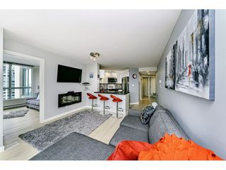 """Photo 7: 1502 907 BEACH Avenue in Vancouver: Yaletown Condo for sale in """"CORAL COURT"""" (Vancouver West)  : MLS®# R2457774"""