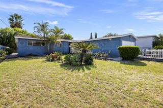 Photo 1: OCEANSIDE House for sale : 3 bedrooms : 4119 Thomas St