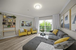 "Photo 3: 2110 TRIUMPH Street in Vancouver: Hastings Townhouse for sale in ""The Triumph"" (Vancouver East)  : MLS®# R2505556"