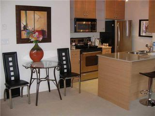 """Photo 6: 804 928 HOMER Street in Vancouver: Downtown VW Condo for sale in """"YALETOWN PARK 1"""" (Vancouver West)  : MLS®# V830262"""