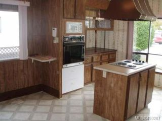 Photo 2: 2129 STADACONA DRIVE in COMOX: Z2 Comox (Town of) Manufactured Home for sale : MLS®# 493207