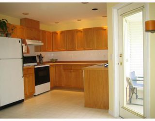 "Photo 4: 26 22751 HANEY BB in Maple_Ridge: East Central Townhouse for sale in ""RIVERS EDGE"" (Maple Ridge)  : MLS®# V753752"