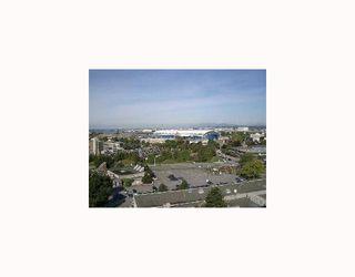 "Photo 2: 1602 5911 ALDERBRIDGE Way in Richmond: Brighouse Condo for sale in ""EXECUTIVE AIRPORT PLAZA"" : MLS®# V761498"