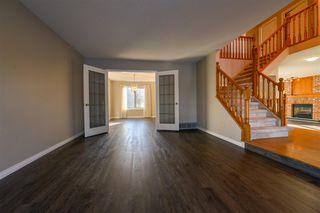Photo 4: 735 WHEELER Road W in Edmonton: Zone 22 House for sale : MLS®# E4180457