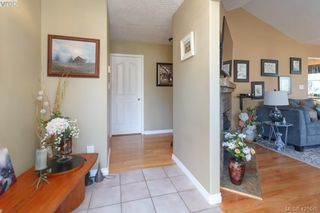 Photo 4: 662 Rason Road in VICTORIA: La Thetis Heights Single Family Detached for sale (Langford)  : MLS®# 421445