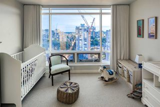 "Photo 19: 15B 1500 ALBERNI Street in Vancouver: West End VW Condo for sale in ""1500 ALBERNI"" (Vancouver West)  : MLS®# R2468252"