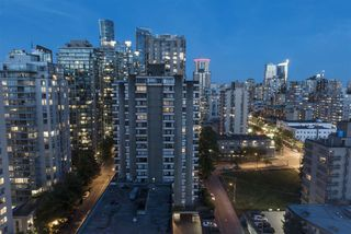 "Photo 26: 15B 1500 ALBERNI Street in Vancouver: West End VW Condo for sale in ""1500 ALBERNI"" (Vancouver West)  : MLS®# R2468252"