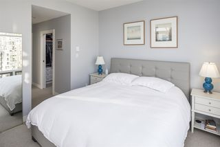 "Photo 14: 15B 1500 ALBERNI Street in Vancouver: West End VW Condo for sale in ""1500 ALBERNI"" (Vancouver West)  : MLS®# R2468252"