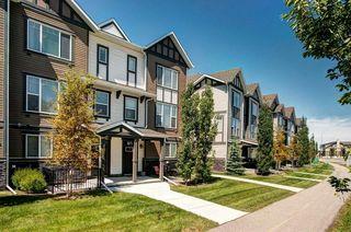 Photo 3: 262 NEW BRIGHTON Walk SE in Calgary: New Brighton Row/Townhouse for sale : MLS®# C4306166