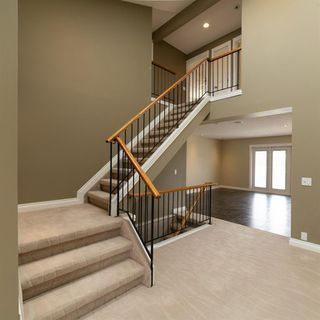 Photo 4: 148 RADCLIFFE Place SE in Calgary: Albert Park/Radisson Heights Detached for sale : MLS®# C4306448