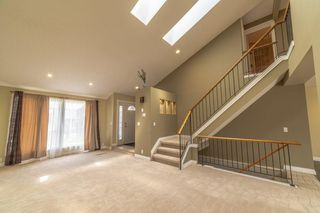 Photo 3: 148 RADCLIFFE Place SE in Calgary: Albert Park/Radisson Heights Detached for sale : MLS®# C4306448