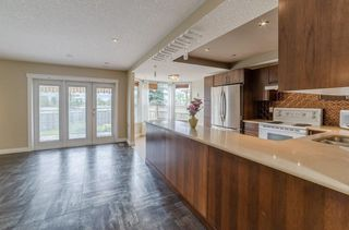 Photo 5: 148 RADCLIFFE Place SE in Calgary: Albert Park/Radisson Heights Detached for sale : MLS®# C4306448