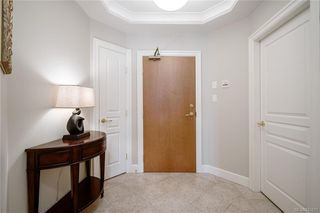 Photo 3: 324 21 Dallas Rd in Victoria: Vi James Bay Condo Apartment for sale : MLS®# 843211