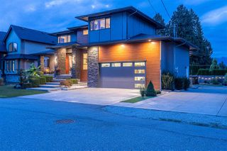 Photo 2: 20297 CHATWIN Avenue in Maple Ridge: Northwest Maple Ridge House for sale : MLS®# R2501455