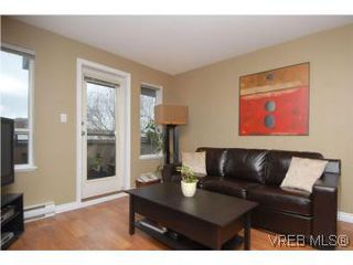 Photo 3: 202 1015 Johnson Street in VICTORIA: Vi Downtown Condo Apartment for sale (Victoria)  : MLS®# 273440