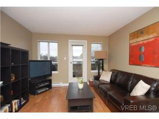 Photo 2: 202 1015 Johnson Street in VICTORIA: Vi Downtown Condo Apartment for sale (Victoria)  : MLS®# 273440
