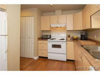 Photo 9: 202 1015 Johnson Street in VICTORIA: Vi Downtown Condo Apartment for sale (Victoria)  : MLS®# 273440