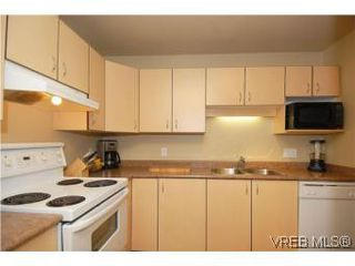 Photo 10: 202 1015 Johnson St in VICTORIA: Vi Downtown Condo for sale (Victoria)  : MLS®# 527659
