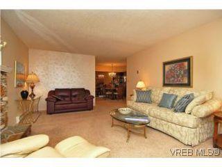 Photo 4: 401 928 Southgate St in VICTORIA: Vi Fairfield West Condo for sale (Victoria)  : MLS®# 532807
